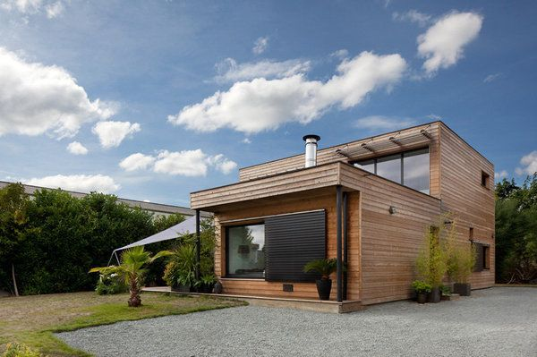 La construction possède une orientation bio-climatique avec des - Plan De Construction D Une Maison