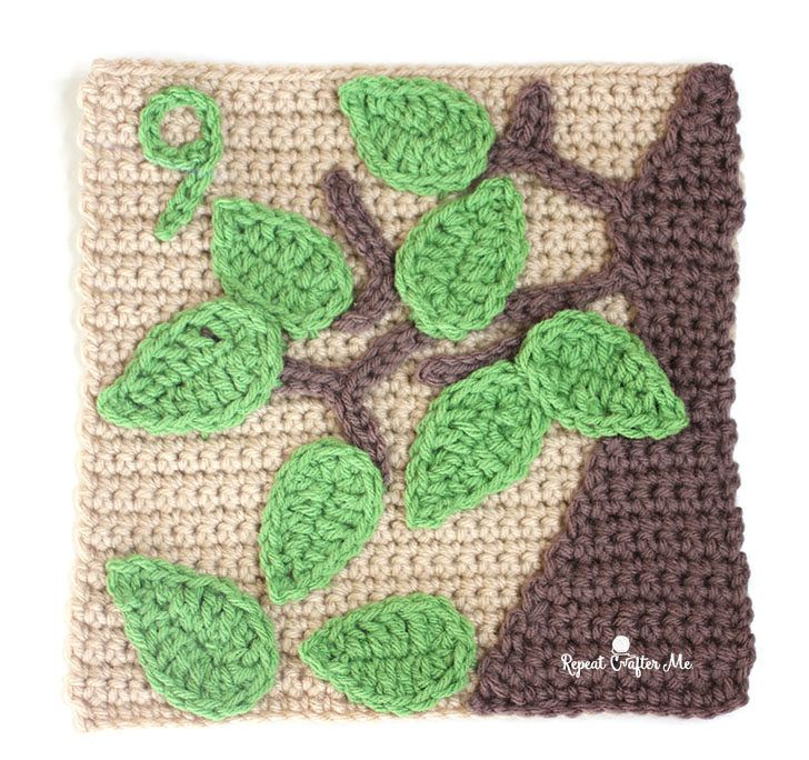 9 Leaves - Crochet Quiet Book Page 9 - Repeat Crafter Me #crochetapplicates