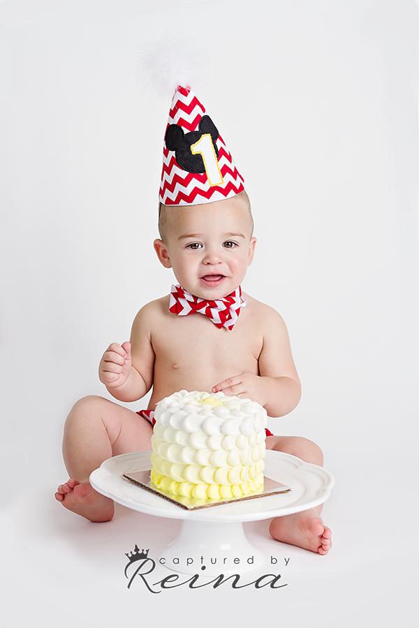 Cake Smash photographer | Jennifer Reina Photography. Newnan, Georgia Photography studio. Contact me today for a complimentary consultation! http://www.jenniferreina.com/