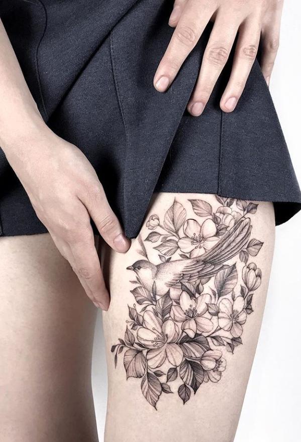 Inspirational Hip Thigh Tattoo Ideas For Woman First Tattoo On Thigh Flower Ta Flower In 2020 Thigh Tattoo Designs Hip Thigh Tattoos Flower Tattoo Designs