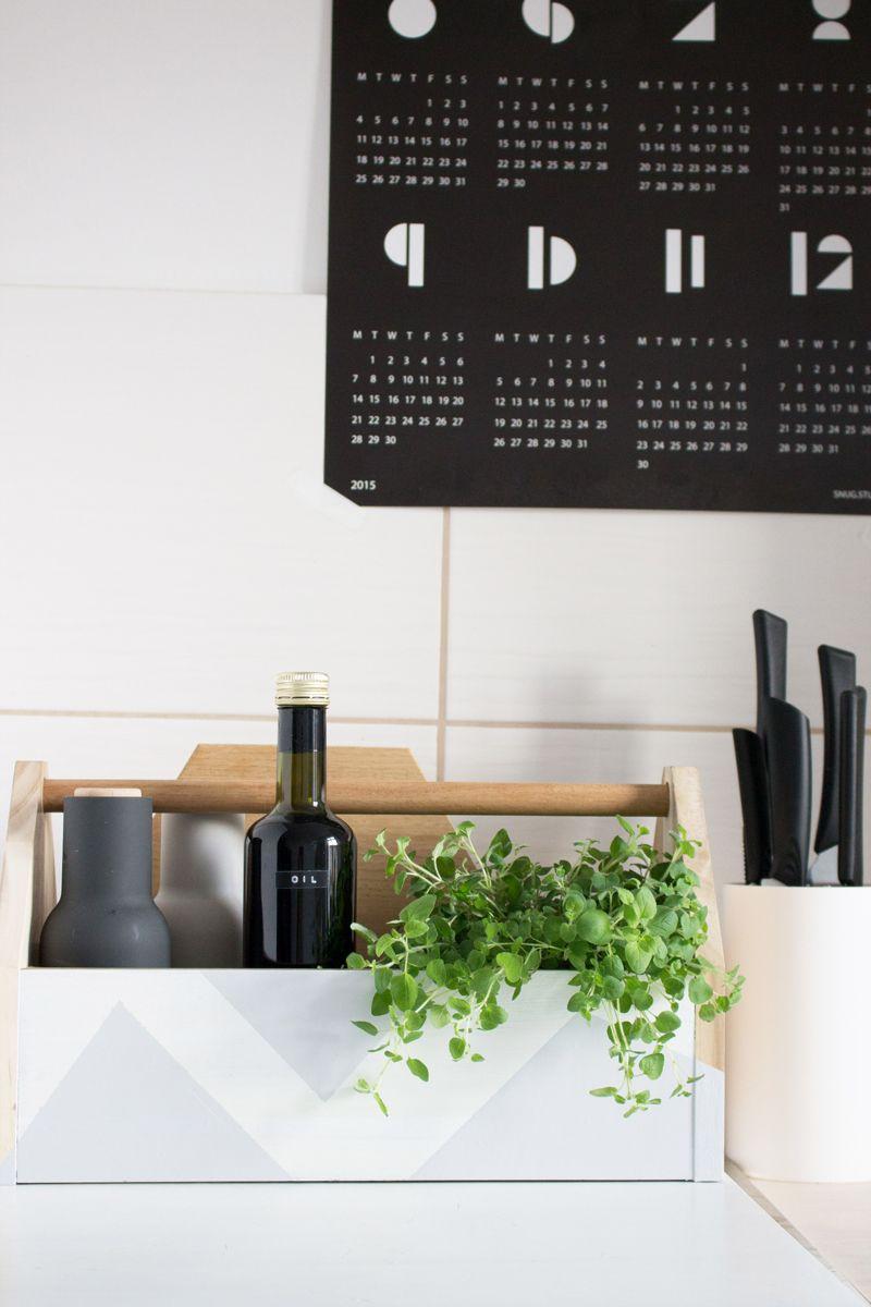 DIY Küchenbox aus Werkzeugkiste, Ikea Hack, Aufbewahrung für Küchenkräuter und Öl.