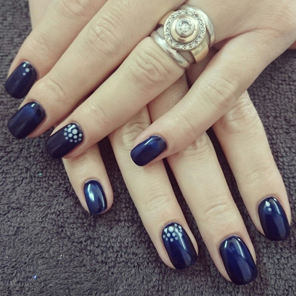 Navy nails with dots | Romantique Nails | Pinterest | Navy nails