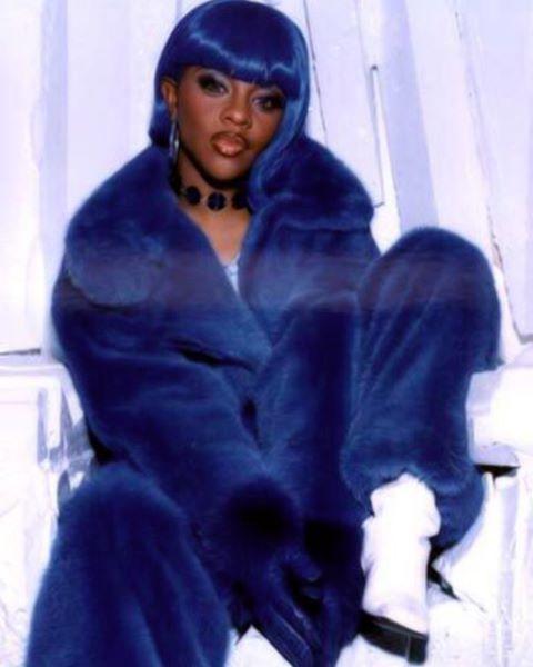 All Matching Everything Blue Coat Blue Hair Lil Kim 90s Hip Hop Fashion 90s Hip Hop Fashion