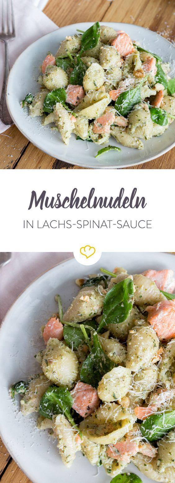 Muschelnudeln mit Lachs in cremiger SpinatPestoSauce