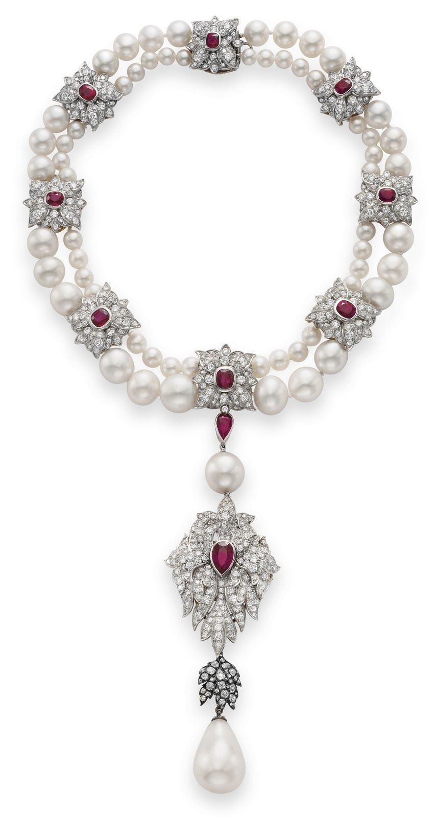 La Peregrina, a natural pearl once given to Mary I of