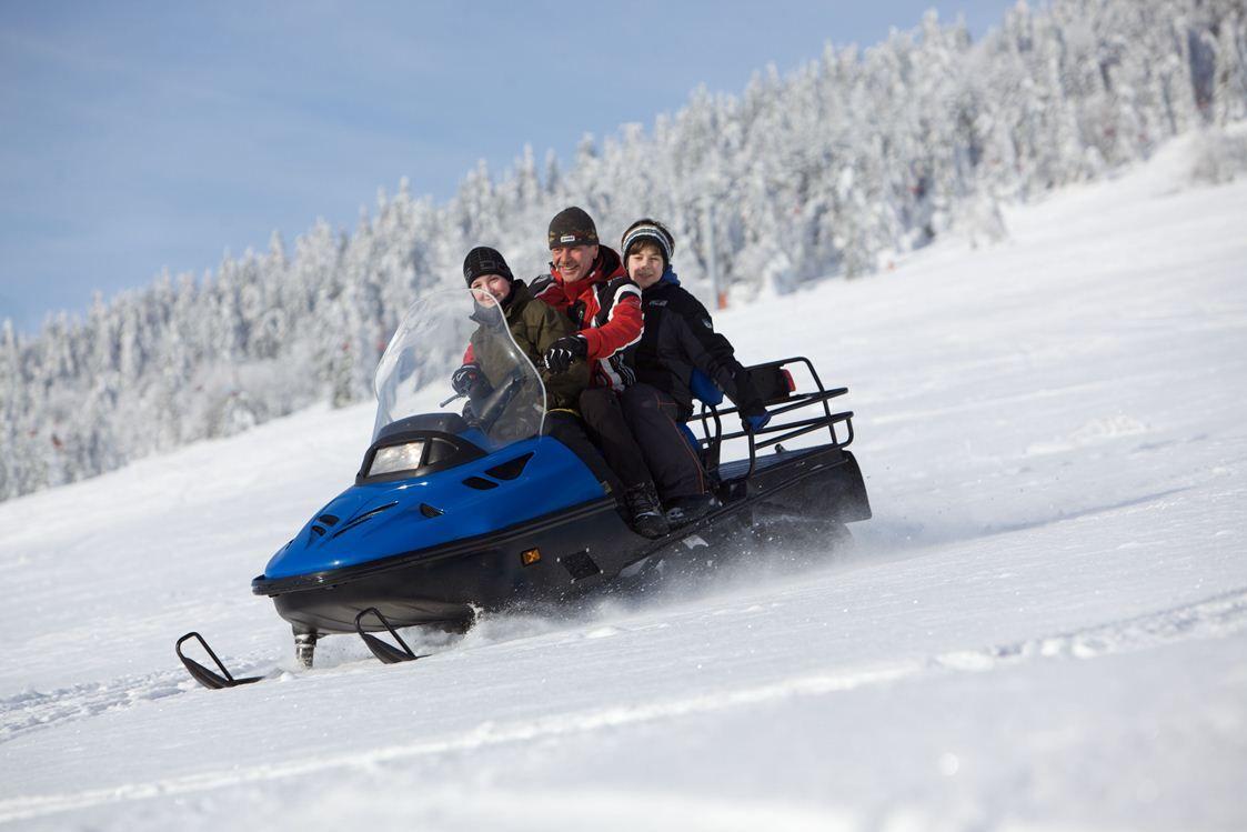 Snowmobil fahren - AHORN Hotel Am Fichtelberg