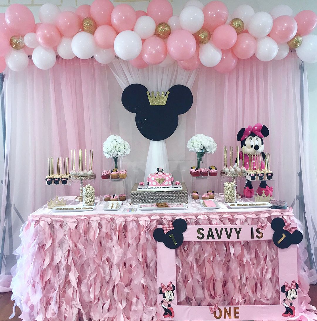 Tematica De Mimmie Rosa Ideas Para Fiestas Temáticas Temáticas Minnie Mouse Birthday Party Mini Mouse Birthday Party Ideas Minnie Mouse Birthday Decorations