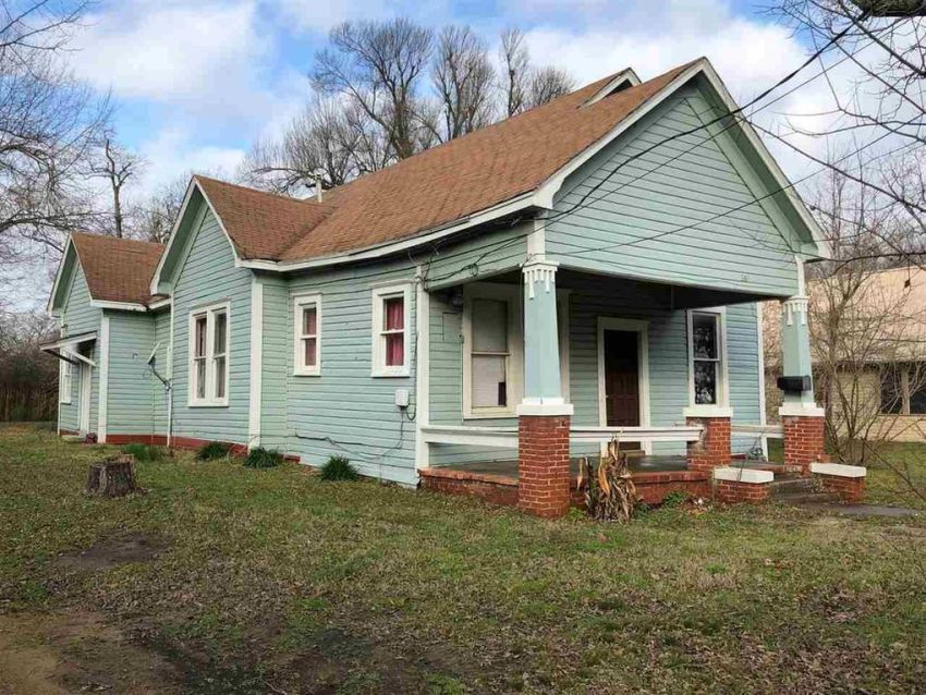 Paris Texas Handyman Special 35 000 Old Houses Under 50k Https Oldhousesunder50k Com Paris Texas Handyma Old Houses Architecture Details Abandoned Houses