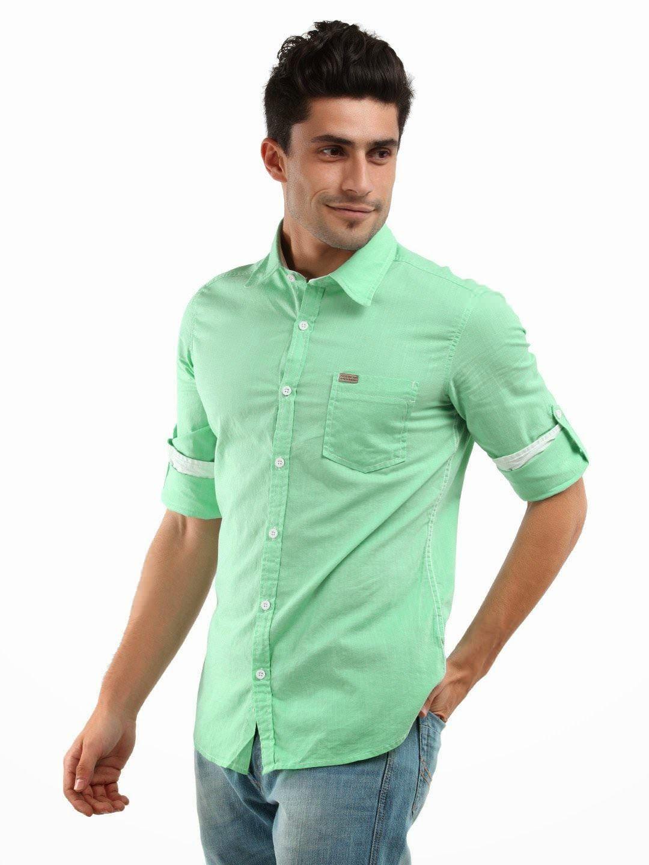 91d162151b camisa verde menta y jeans azul el verde menta un color propio para  primavera y verano y va bien con los de piel bronceado y morenos