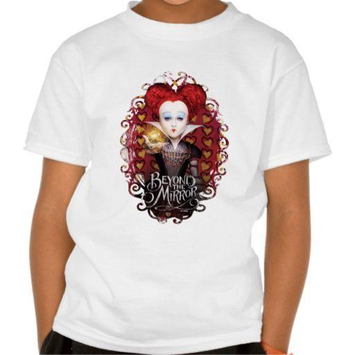 The Red Queen   Beyond the Mirror. Producto disponible en tienda Zazzle. Vestuario, moda. Product available in Zazzle store. Fashion wardrobe. Regalos, Gifts. #camiseta #tshirt