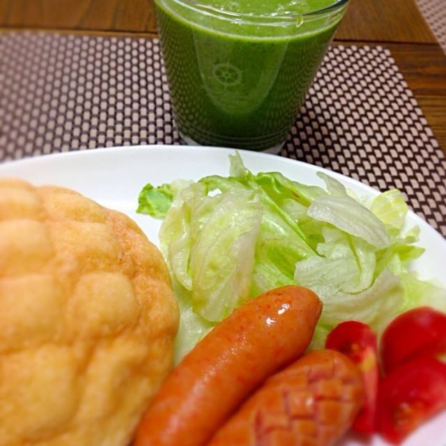 メインはナッツミルクのグリーンスムージー♪( ´θ`)ノ蜂蜜いれたので甘くて美味しい〜‼︎ - 18件のもぐもぐ - ほうれん草のグリーンスムージー♡❤️♡ by Atsuko Takahashi