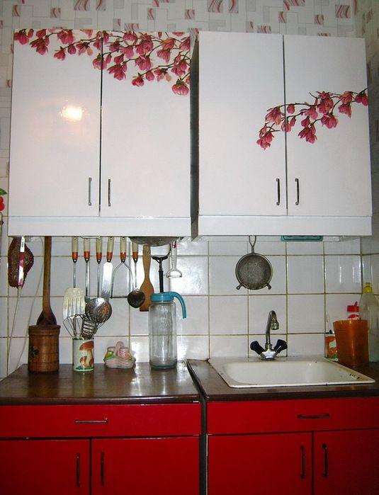 Как обновить мебель на кухне своими руками