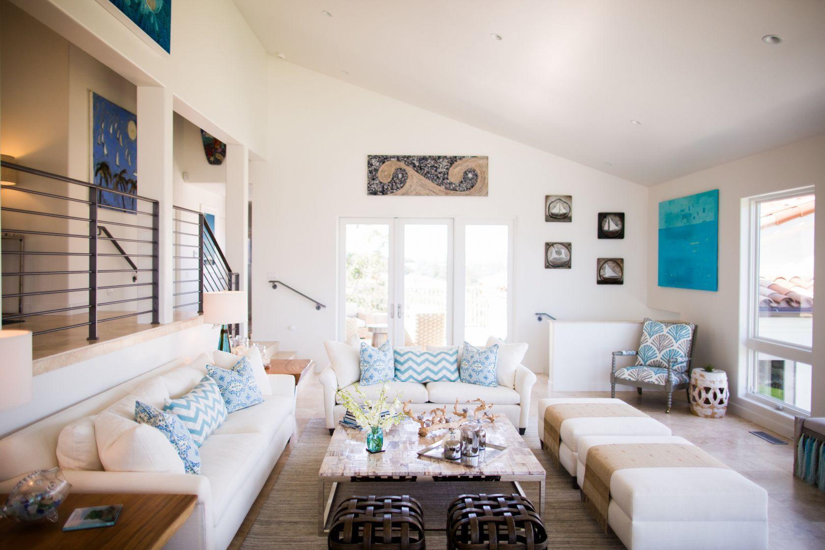 Santa Barbara, California Driftwood Beach House Living Room   Beach ...