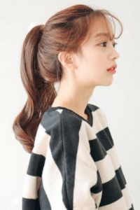 Bingung Menata Rambut Saat Olahraga Ikuti Saja Gaya Rambut Stylish Ala Cewek Korea Ini Styling Pod Wig Styles Beauty Clothes Korean Hairstyle