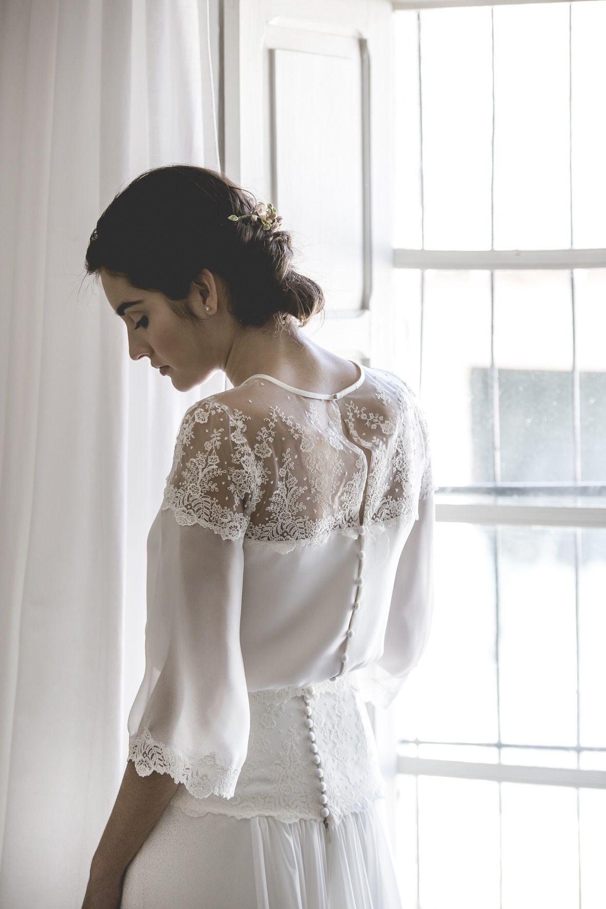 Vestido de novia de muselina de seda y encaje bordado. Wedding dress. Silk. Alejandra Svarc. Tocado Mimoki