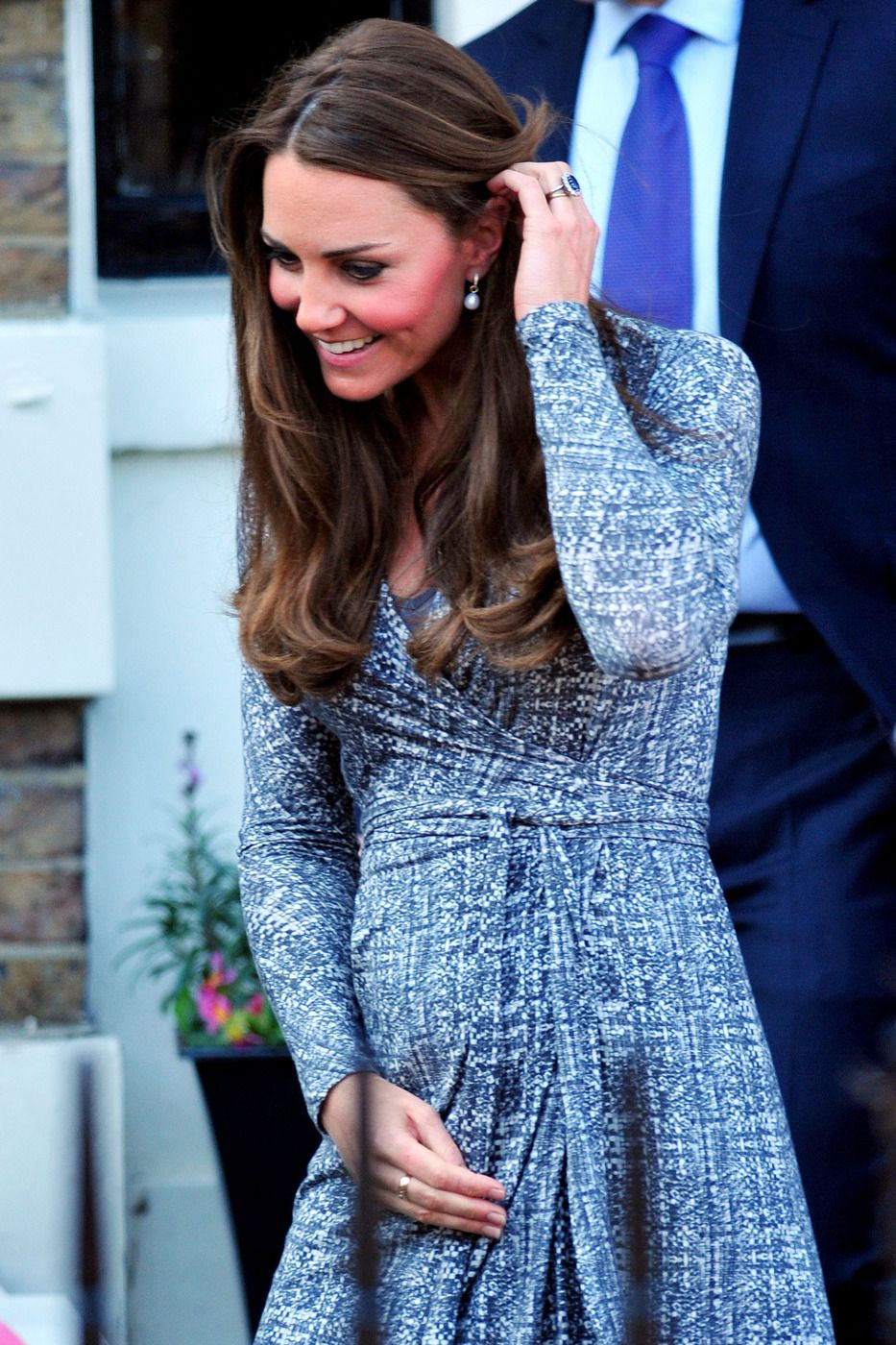 Kate middleton pops out for shopping before maternity leave my intimate affair with fashion kate middleton pregnancy style wrap dress ombrellifo Gallery