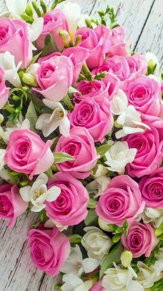 Mazzi Di Fiori Meravigliosi.Pin Di Adri Viola Su Bouquet E Composizioni Mazzo Di Fiori