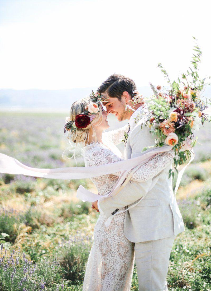 Korean wedding decoration ideas  Blumenkranz in Rot und Pfirsich u red and peach flower crown
