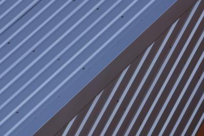La Mejor Y Mas Barata Forma De Aislar Un Techo De Metal De Las Altas Temperaturas Corrugated Roofing Metal Roof Corrugated Plastic Roofing