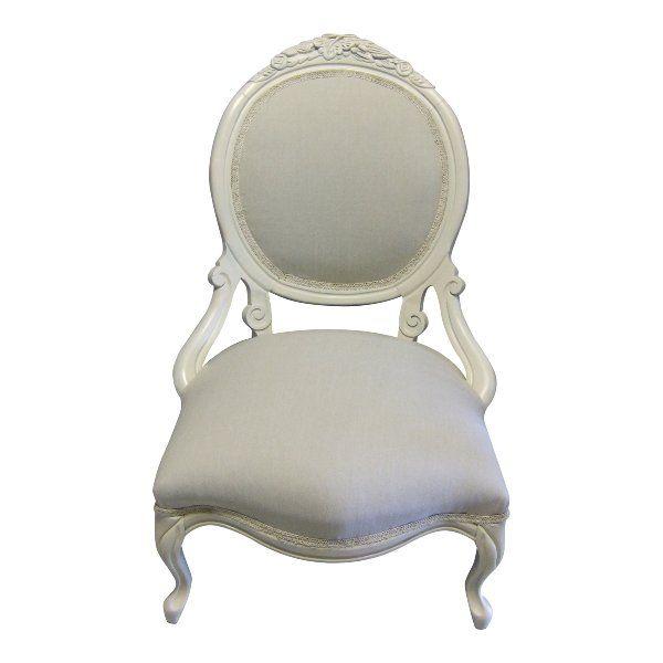 Elizabeth Bride Chair : Feel like a queen in this vintage