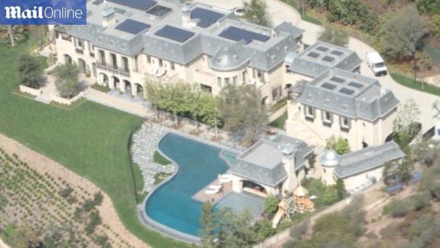 Dr Dre Buys Gisele Bundchen And Tom Brady La Fortress Mansion For