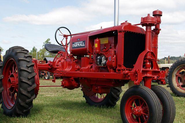 Farmall F 30 : Farmall f tractor and tractors
