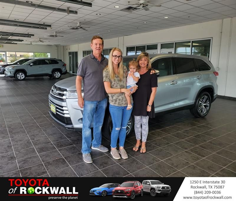 Congratulations Sunday And Cameron On Your Toyota Highlander From Tracy Fritts At Toyota Of Rockwall Newcar Welcome To The Family New Cars Tracy
