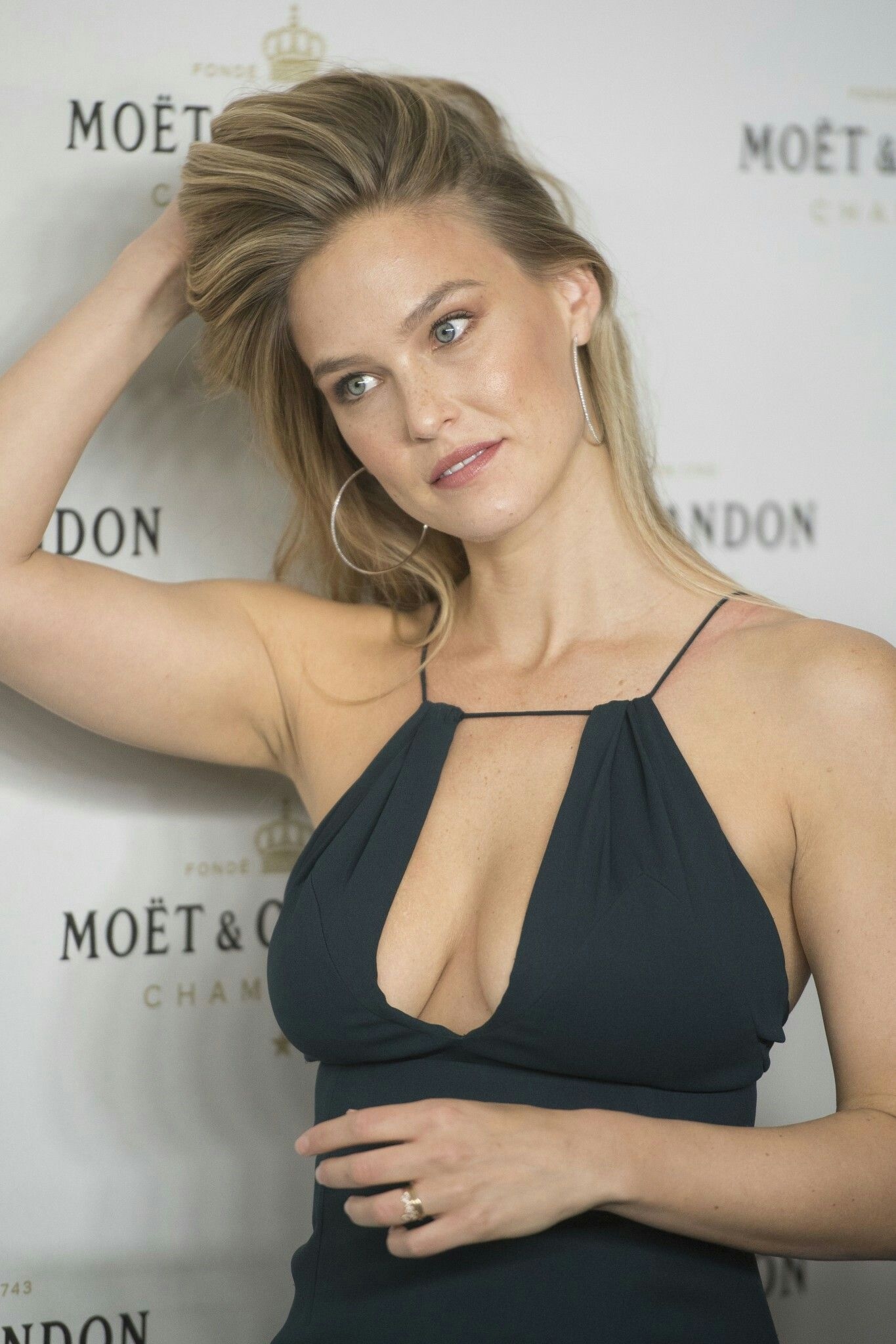 Cleavage Bar Refaeli nudes (32 photo), Tits, Bikini, Feet, butt 2019