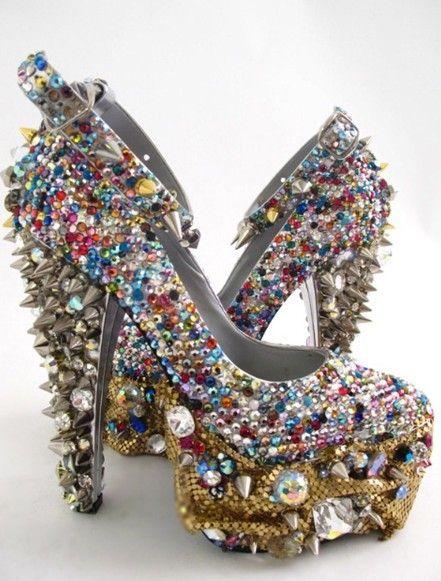 Afera Naszyjnikowa I Nie Tylko Wyprzedaz Zakupy I Dziwne Buty Crazy Shoes Spike Shoes Crazy Heels