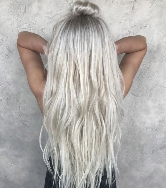Les plus beaux balayages blonds sur cheveux longs