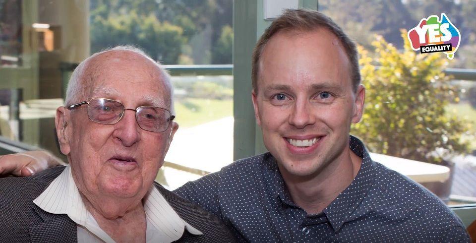 Abuelos gays con abuelos