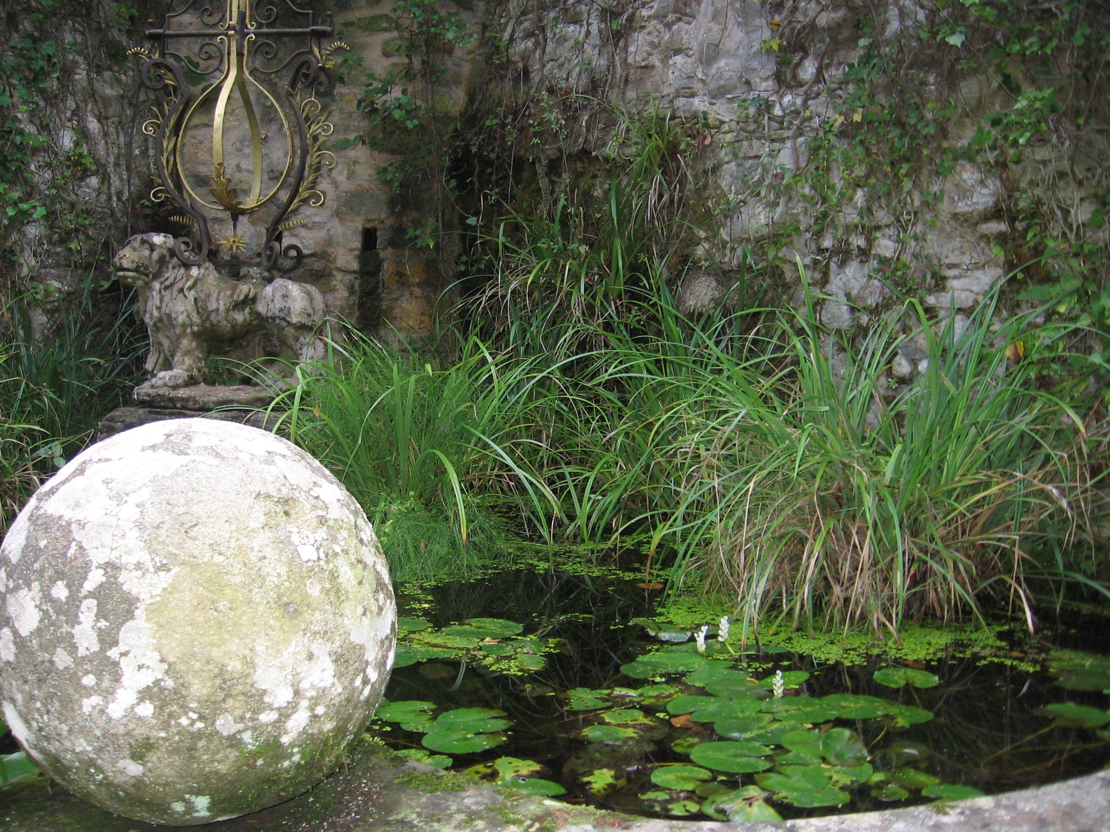 pond setting La Scarzuola