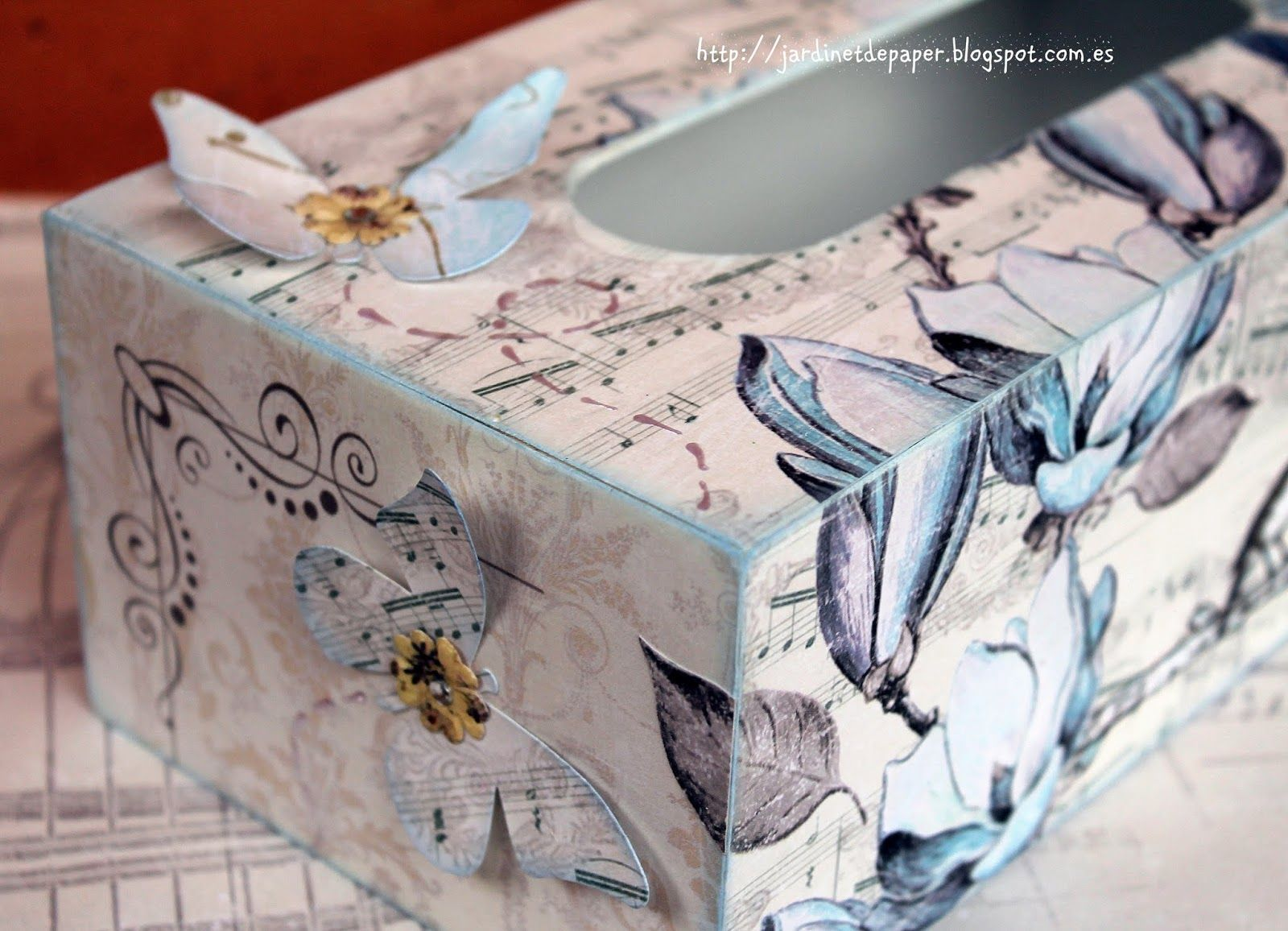 TISSUE BOX ALTERED - CAJA DE PAÑUELOS ALTERADA SCRAPBOOKING