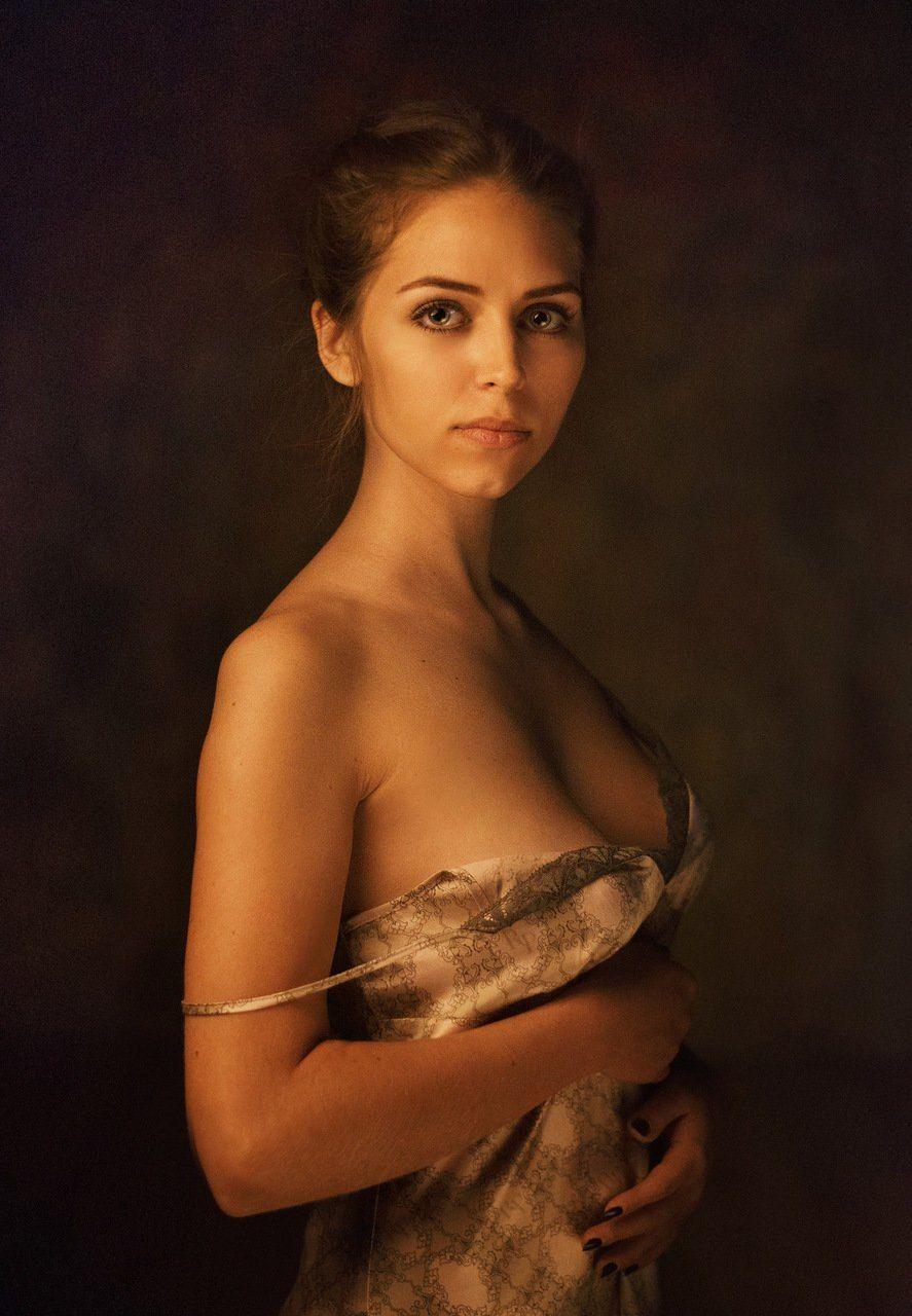 Portrait - model: Maria Popova photo by: Maxim Maximov FB