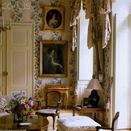 Family style or english style decor