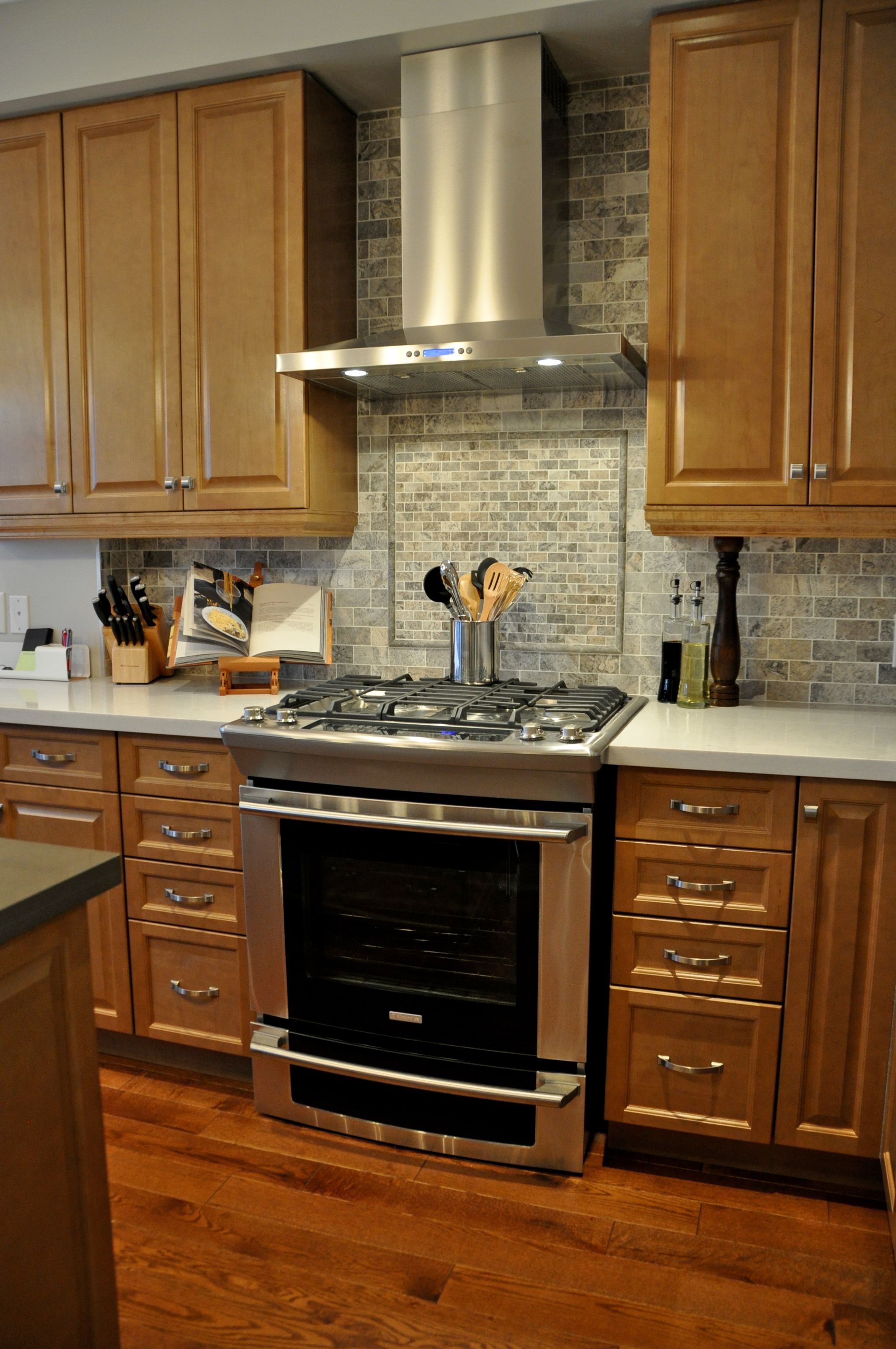 Page Not Found Brown Cabinets White Backsplash Stove Range Hood
