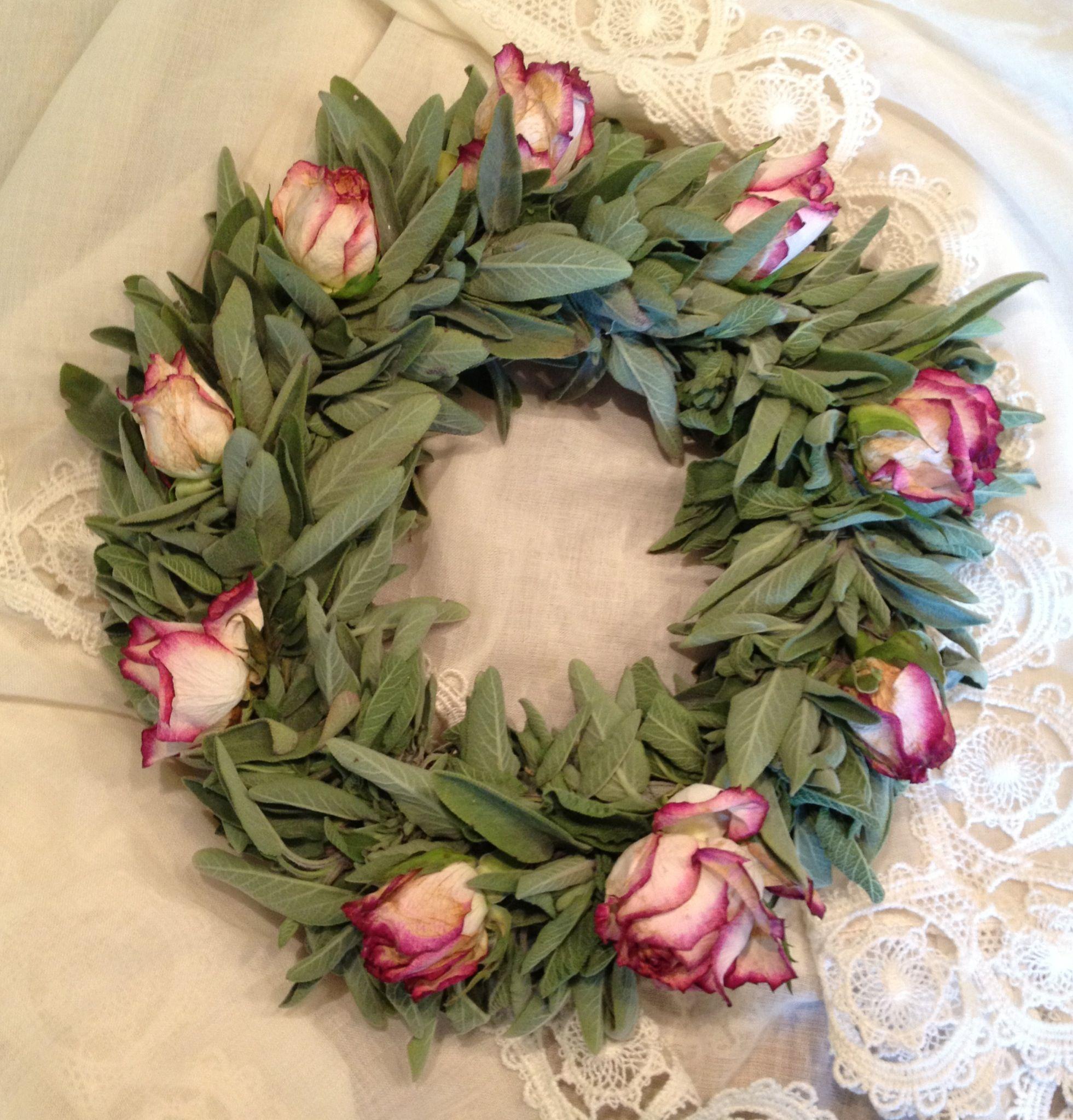 Sage and roses, wreath o