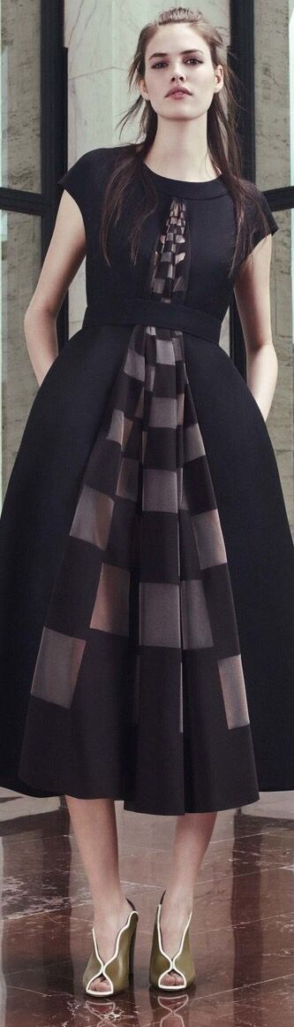 Baju Fendi Wanita