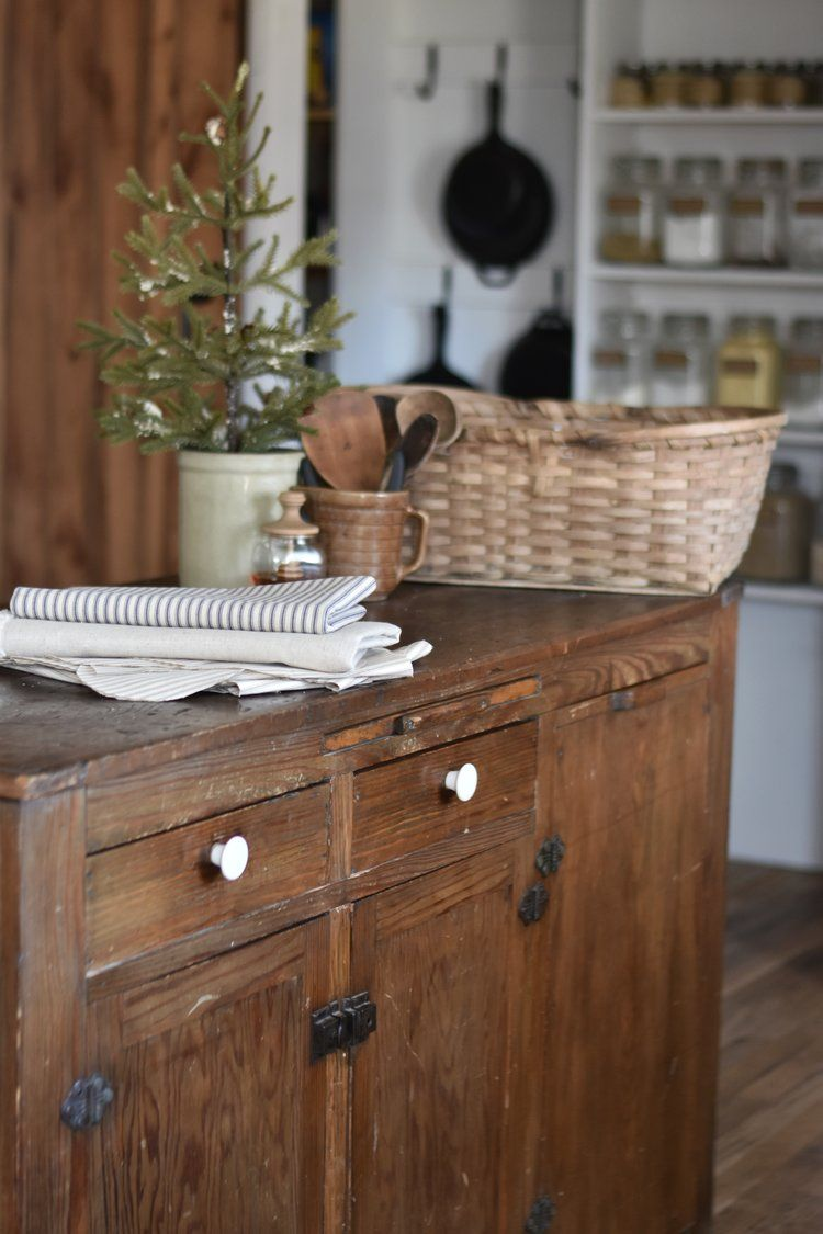 Dec cultivating a peaceful and cozy december farmhouse kitchens
