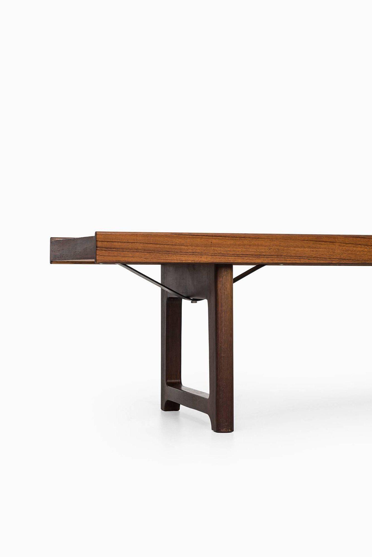 Bench Side Table Model Krobo Designed By Torbjorn Afdal Produced By Bruksbo Modern Side Table Furniture Coffee Table Bench [ 2247 x 1500 Pixel ]