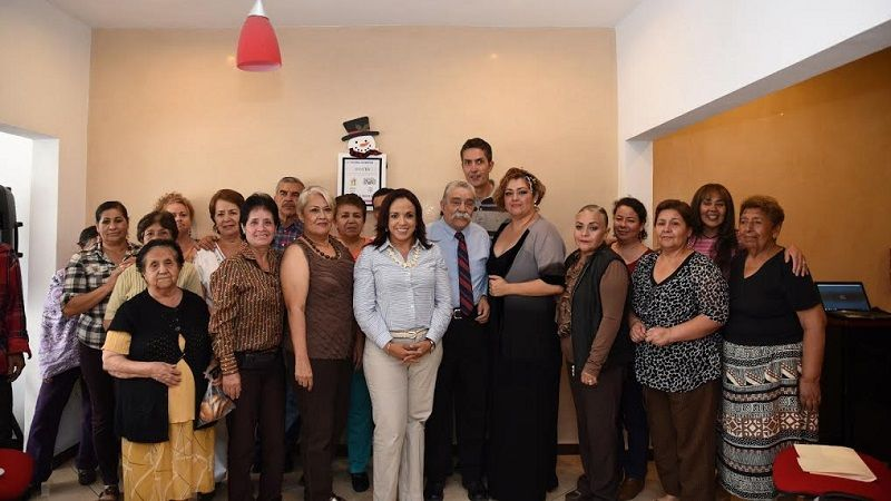 """La diputada del PAN Cano inauguró el Club de Adultos Mayores """"La Tercera Juventud""""; la finalidad de edificar estos espacios, explicó la legisladora, es crear escenarios físicos que promuevan la ..."""