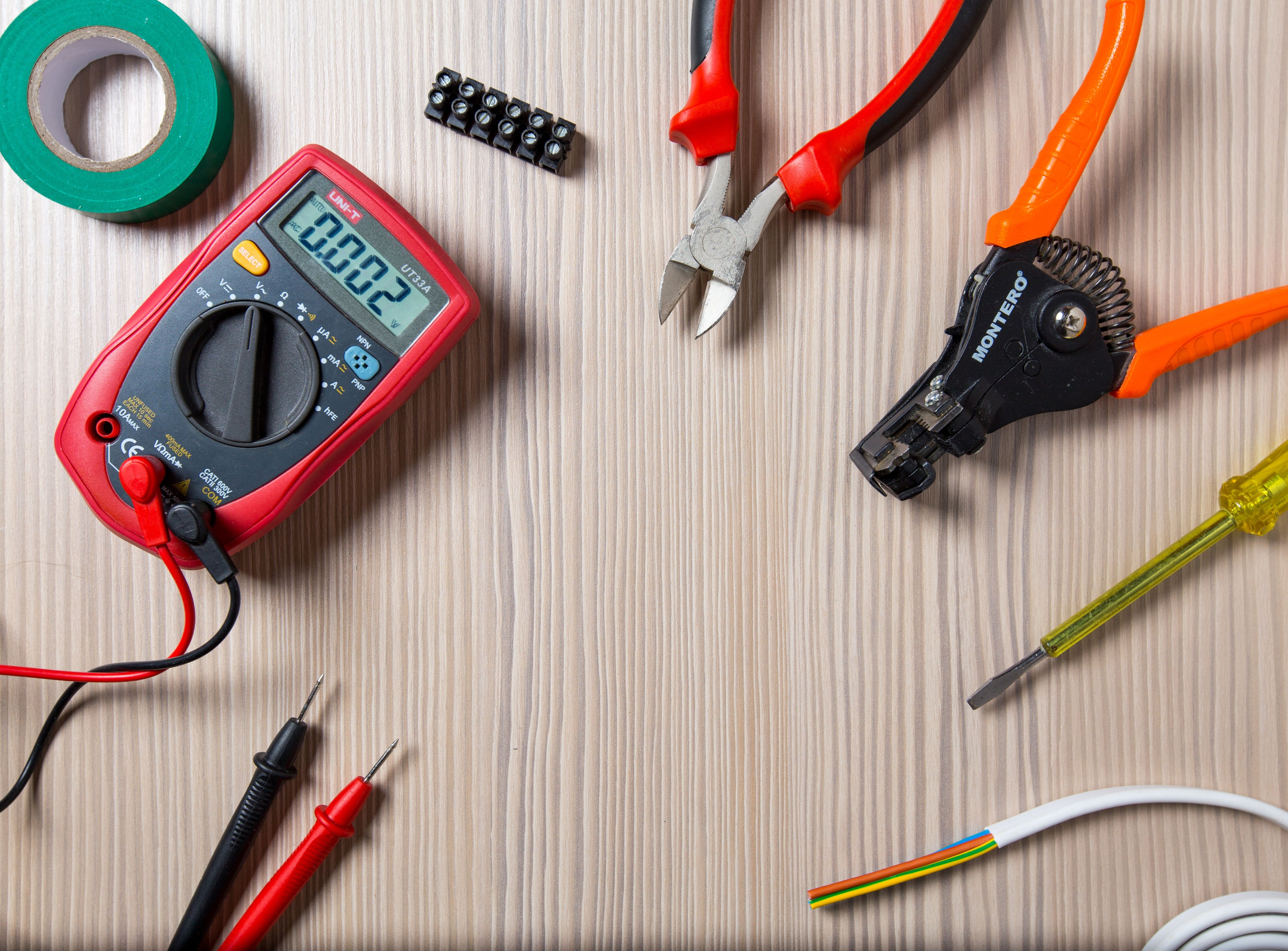 Weebly Electrician services, Emergency electrician