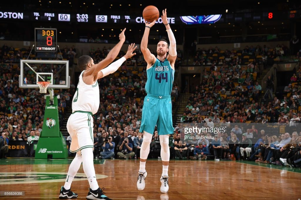 9d8c0bbf25f80 News Photo : Frank Kaminsky of the Charlotte Hornets shoots... | NBA ...