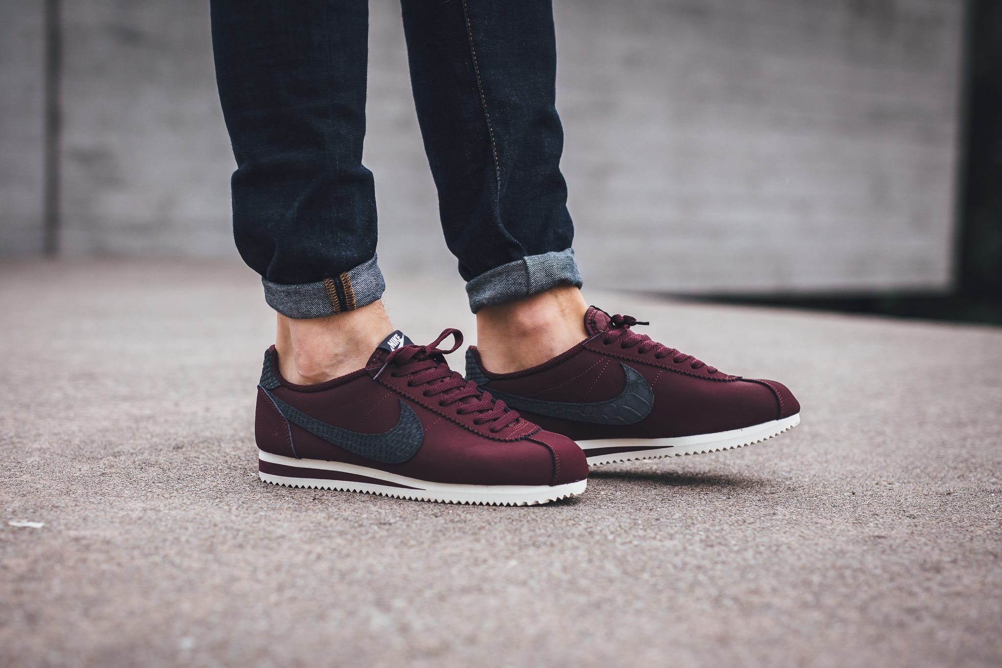 newest e0c1b 057af Nike Classic Cortez Leather SE - Night Maroon Sail