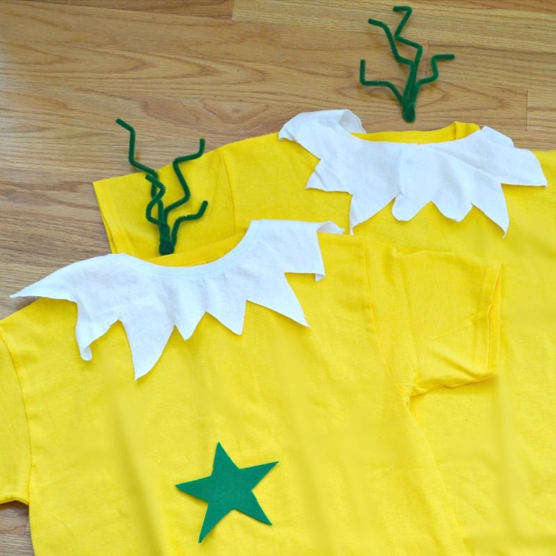 Make this easy Dr. Seuss Costume Sneetches costume in just minutes. It works great as a single costume or with …