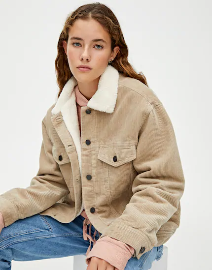 Veludo Cotele Casacos E Jaquetas Roupas Mulher Pull Bear Portugal Corduroy Jacket Jacket Outfits Casual Style Outfits