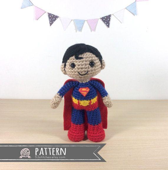 Este patrón es para la muñeca amigurumi de Superman en la foto ...