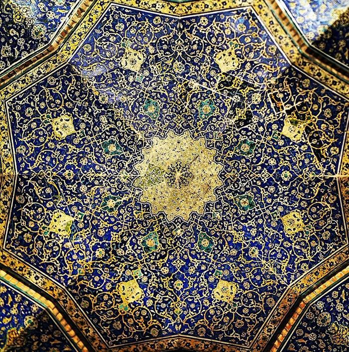 The Ceiling Of Irans Mosques Are Nothing Short Of Mesmerizing - The mesmerising architecture of iranian mosques