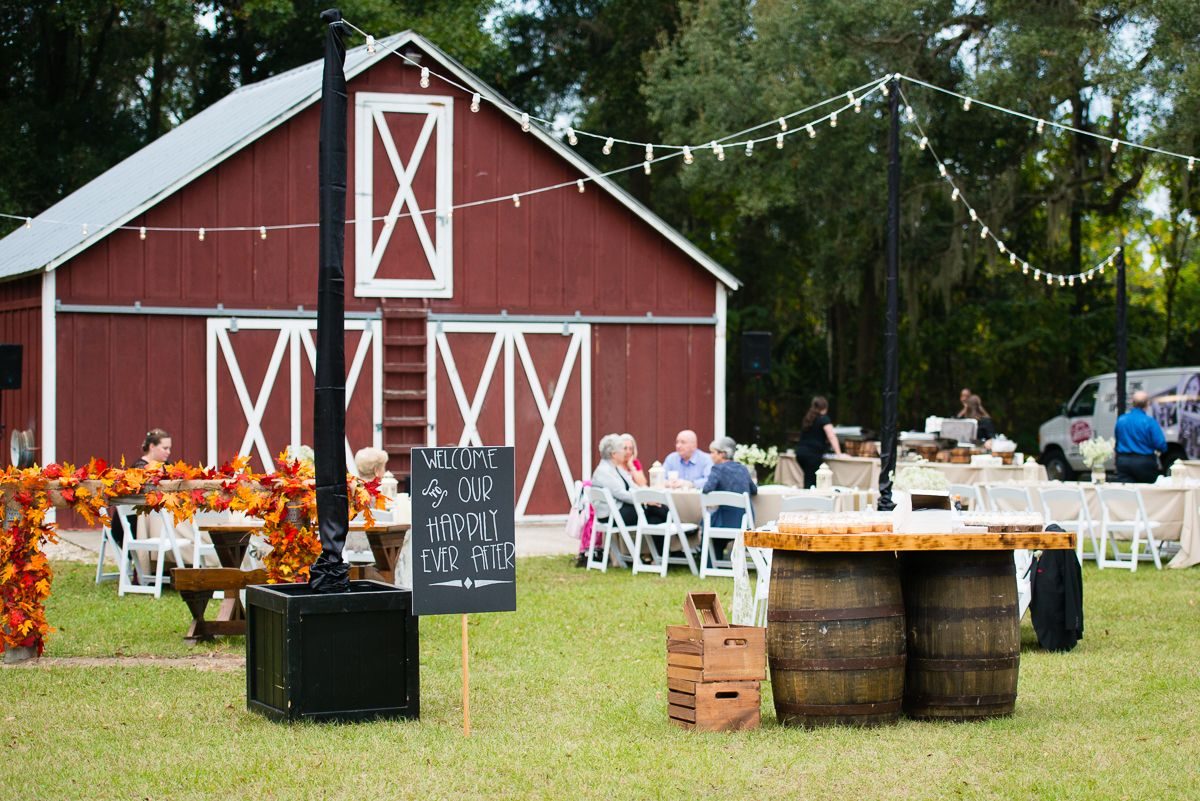 Wedding Reception At The Red Barn At The Hilton In Ocala Florida Ocala Florida Wedding Wedding Reception
