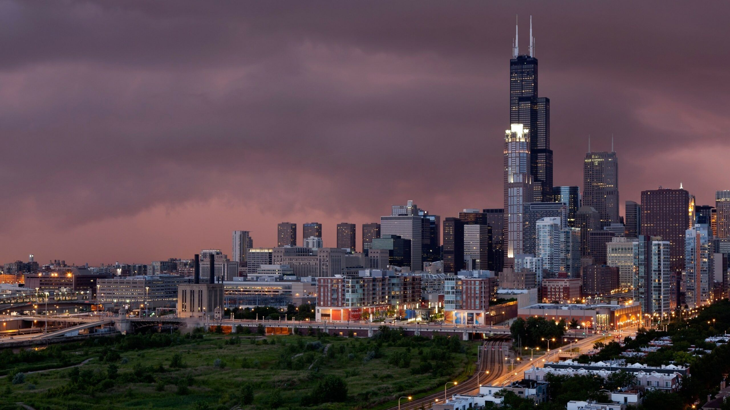 Chicago Marina Towers 4k Wallpaper In 2020 Chicago Wallpaper Skyline Chicago Pictures
